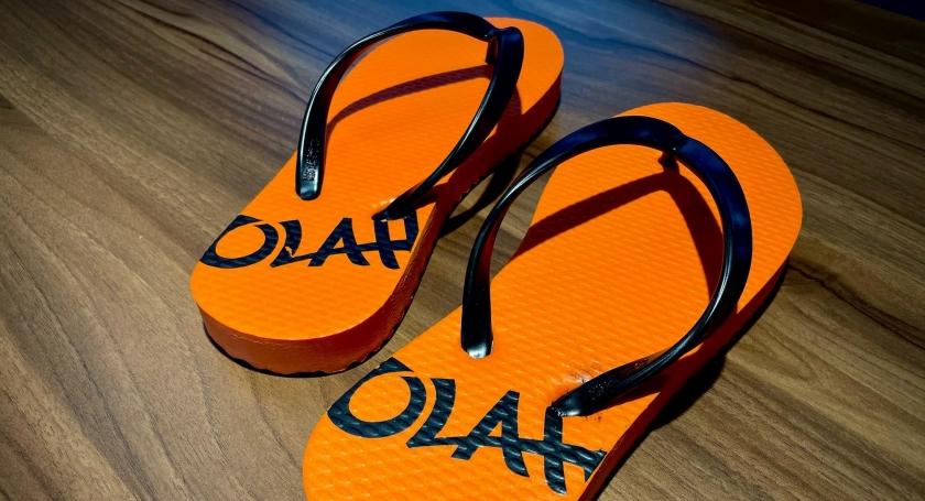 悅樂品牌拖鞋